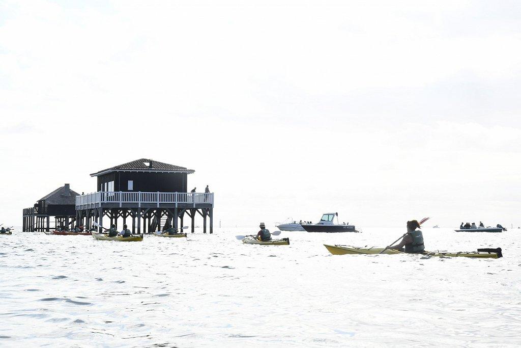 Aux Cabanes tchanquées en kayak de mer