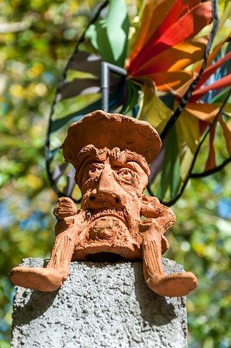 photo-artisan-sculpture-desmond-anglelachouette-1.jpg